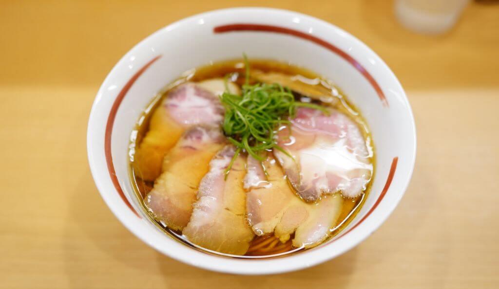 肉増し醤油らぁめん1100円+味玉100円